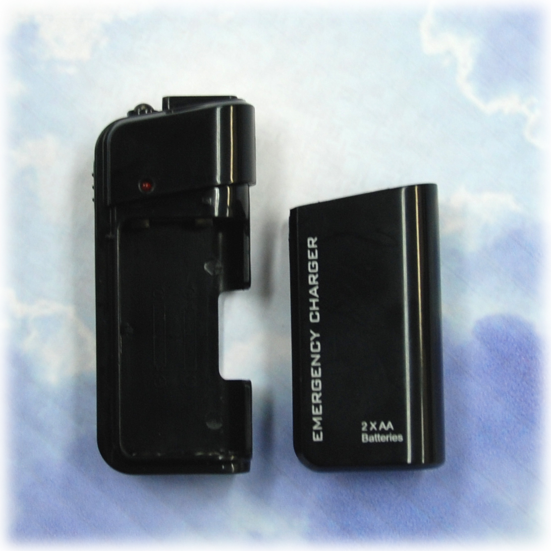【送料無料】 スマートフォン 電池充電器 EMERGENCY-CHARGER-2X エクスペリアアクロHD au SONY ソニー iPhone4S Disney Mobile DM015K XPERIA SX SO-05D スマートフォンジュニア2 SH-03F AQUOS PHONE SERIE mini SHL24 Xx mini 303SH ARROWS Kiss F-03E